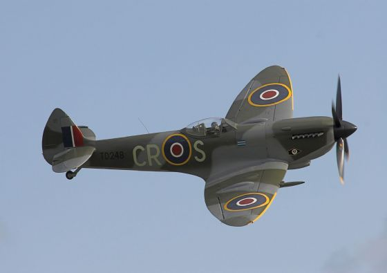 Supermarine Spitfire Mk XVI World War 2 Aircraft. Aviation/Military Print/Poster. Sizes: A4/A3/A2/A1 (0068)